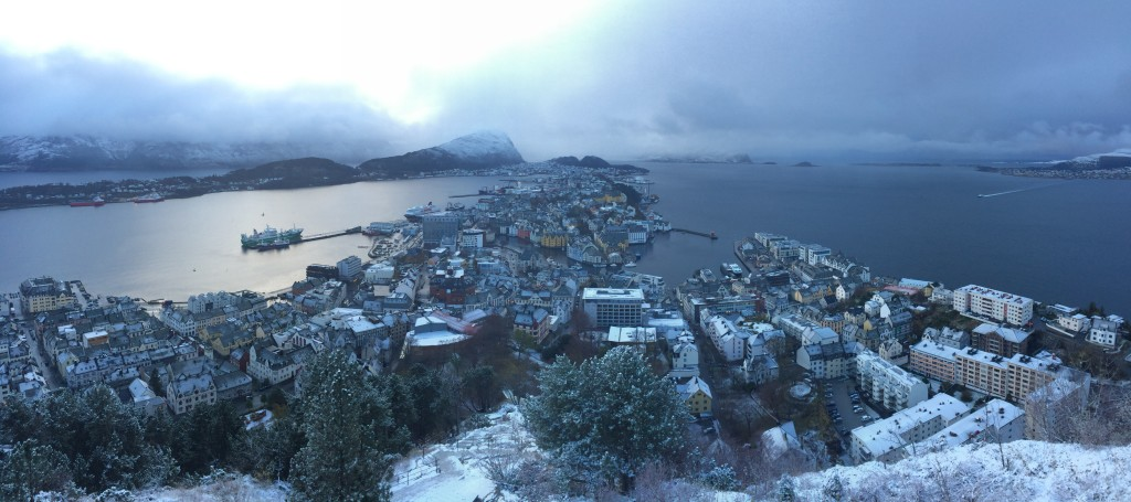 Day Two: Ålesund from Fjellstua Aksla, under afternoon's snow.